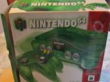 The picture of the Nintendo 64 : Une série fantastique : vert jungle (Canada) bundle