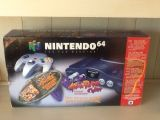 The picture of the Nintendo 64 Atomic Purple (violet atomique) - Banjo Tooie inclus (Canada) bundle