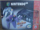 The picture of bundle Nintendo 64 Atomic Purple Color inclui Extra Controller inclui um Game (Brazil)
