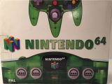 The picture of the Nintendo 64 Clear Green (Europe) bundle