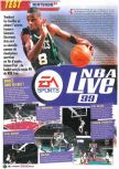 Scan of the review of NBA Live 99 published in the magazine Le Magazine Officiel Nintendo 11